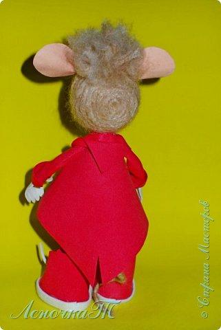 Доброе время суток,друзья! Знакомтесь! Мой маленький крысик по  имени КРЫСтофер! Прошу любить  и жаловать! Родился он благодаря МК ЖенечкиР, а значит ближайший родственник её подопечного. КРЫСтофер мужчина интеллигентный, яркий и  с хорошем чувством юмора! Предназначен для  поднятия отличного настроения хозяйке и её друзьям! фото 4