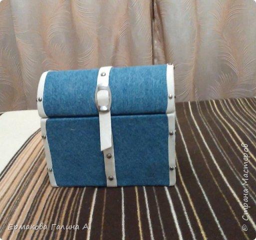 Шкатулочка-сундучок для девичьих мелочей. Делала на заказ в подарок к 8 марта.  фото 1