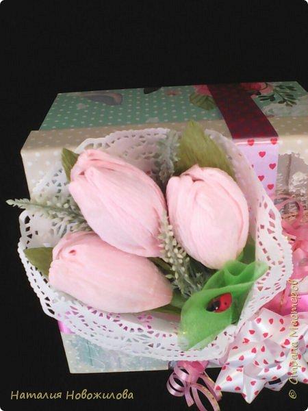 """Вот такие  подарочки на 23февраля и 8 марта у меня получились для моих близких. Погоны для моего любимого майора, шоколадки использовала """"Вдохновение"""", коробочка из Фикс Прайса, внутри всякие мелочи... фото 6"""