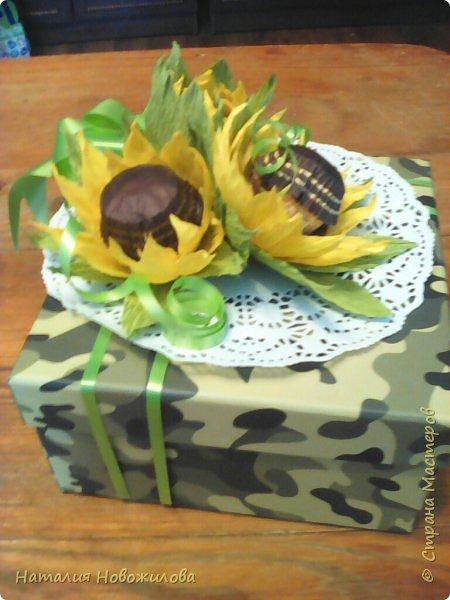 """Вот такие  подарочки на 23февраля и 8 марта у меня получились для моих близких. Погоны для моего любимого майора, шоколадки использовала """"Вдохновение"""", коробочка из Фикс Прайса, внутри всякие мелочи... фото 4"""