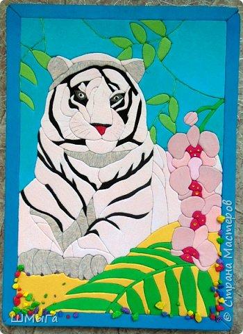 """Еще одна работа моей ученицы для районной выставки-конкурса """"Острова вдохновения"""". Лика выбрала для своей работы белого тигра. фото 2"""