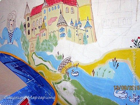 """В детской была просто стена ... Пофантазировала на тему """"Сказочный замок и принцессы"""" ...Закончили рисовать к Новому году, в декабре...а начиналось в сентябре))) фото 4"""
