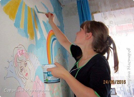 """В детской была просто стена ... Пофантазировала на тему """"Сказочный замок и принцессы"""" ...Закончили рисовать к Новому году, в декабре...а начиналось в сентябре))) фото 13"""