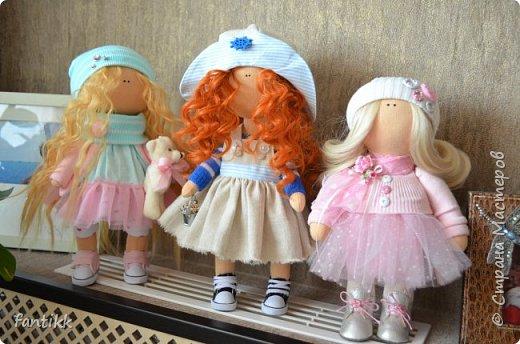 """Девочки, всем привет! У меня новое увлечение. Точнее, очень давно смотрю на интерьерные куколки и вот, меня все-таки, торкнуло)) Сходила на МК по пошиву куклы. (ту, которую сделала на МК будет фото в конце) а это моя первая самостоятельная кукла. Назвала """"Ассоль"""", видимо очень жду лето и море, поэтому и получилась она такой морской, легкой, яркой, и летней)) фото 6"""