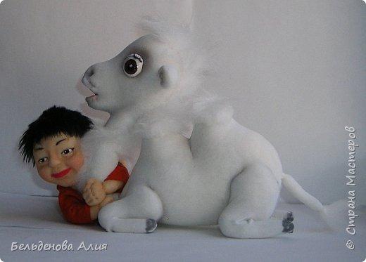 Такую сценку я уже делала в начале, те куклы уже проданы, а сейчас готовлюсь к выставке, и вот , решила сделать ещё, немного по-другому и мельче. Верблюд ростом 15 см, а мальчик тоже 15 см, если поставить. фото 4