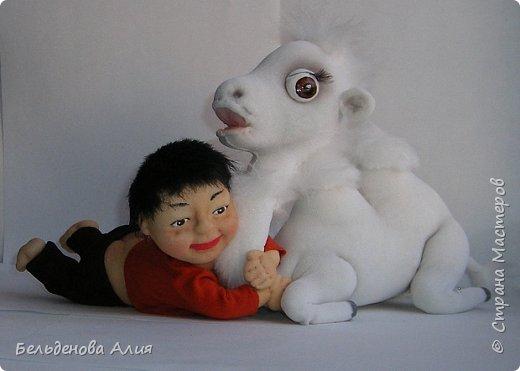 Такую сценку я уже делала в начале, те куклы уже проданы, а сейчас готовлюсь к выставке, и вот , решила сделать ещё, немного по-другому и мельче. Верблюд ростом 15 см, а мальчик тоже 15 см, если поставить. фото 1