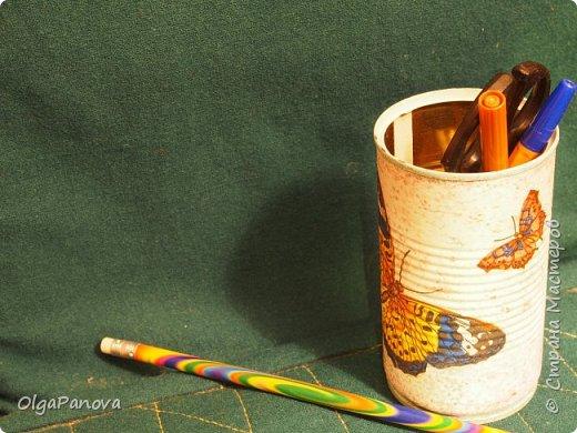 В качестве объектов для наработки опыта в декупаже выбрала простые баночки и коробочки. Простой декупаж по картону, плпстику и металлу. Результат- предметы для подручных материалов и инструментов для рукоделия. фото 6