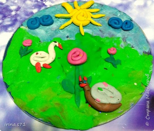 """Работы детей 5-6 лет. Составляли изображения из пластилиновых клубочков. """"Лебединое озеро"""" фото 6"""