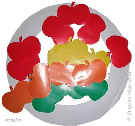 Такую позитивную гирлянду увидела здесь: http://www.familie.de/diy/herbstkranz-aus-papier-944763.html , за что очень благодарна. фото 9