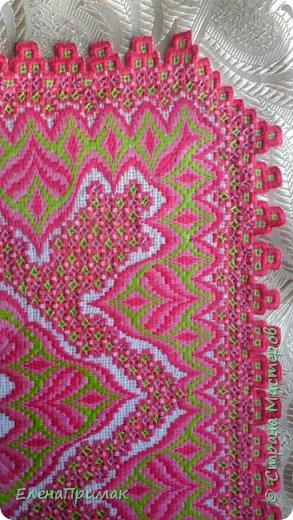 Вот я и закончила вышивать салфетку моим любимым сочетанием двух вышивок -хардангер и борджелло Размер салфетки 30 см на 30 см.Цвет немного ярче чем на фото фото 4