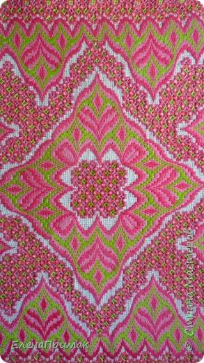 Вот я и закончила вышивать салфетку моим любимым сочетанием двух вышивок -хардангер и борджелло Размер салфетки 30 см на 30 см.Цвет немного ярче чем на фото фото 3