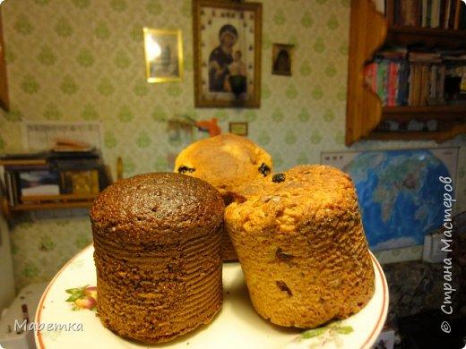 На этой фотографии 3 вида куличей. Здесь я выложу рецепт масляного кулича (БЕЗ ЯИЦ!!), он на фото - справа. Рецепт взят с сайта Хорошая Кухня http://www.good-cook.ru/tort/tort_587.shtml. Там очень хорошо всё показано, как делать. Кулич получается очень сдобный.   фото 1