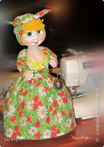 Кукла-грелка на чайник. Рост 55 см. Ручки на проволке. Нижняя юбка на синтепоне. Юбки съемные. фото 6