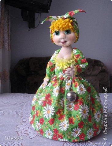 Кукла-грелка на чайник. Рост 55 см. Ручки на проволке. Нижняя юбка на синтепоне. Юбки съемные. фото 1