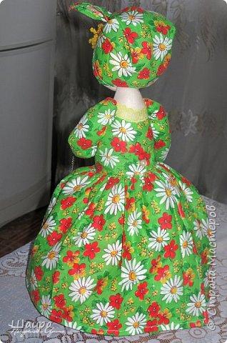 Кукла-грелка на чайник. Рост 55 см. Ручки на проволке. Нижняя юбка на синтепоне. Юбки съемные. фото 8