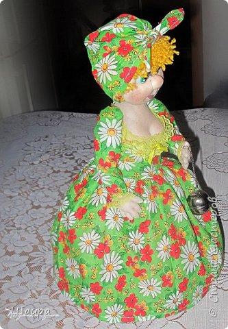 Кукла-грелка на чайник. Рост 55 см. Ручки на проволке. Нижняя юбка на синтепоне. Юбки съемные. фото 9