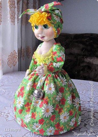 Кукла-грелка на чайник. Рост 55 см. Ручки на проволке. Нижняя юбка на синтепоне. Юбки съемные. фото 10