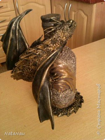 дракон на бутылке фото 1