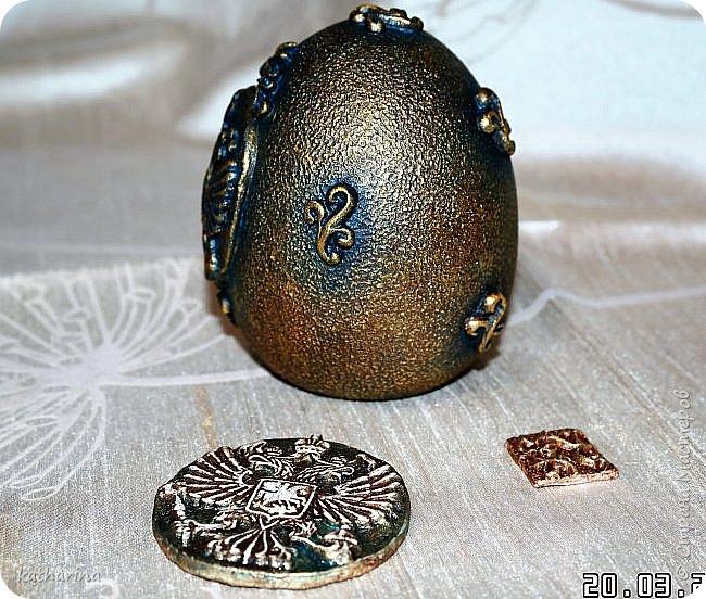 Здравствуй страна . Давно хотела сделать яйцо с российским орлом . Делала самодельные молды , пробовала , красила  , в итоге моих поисков и проб родилось вот такое яичко . фото 3