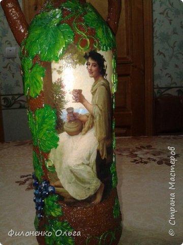 """Ну вот еще """"выношу на суд"""" новые работы...Виноградная - это моя любимая повторюшка, увиденная у Любови Нечаевой http://stranamasterov.ru/node/1048461...Долго не могла подобрать под нее бутылку. А потом осенило и я ее сама смастерила (бутылка из под лимонада, а ушки сделала из подручных материалов, приклеила пистолетом горячим клеем и обернула салфетками, низ был рельефный, я его зашпатлевала). Ну уж очень хорошо задумала Любашка, я вообще-то ее поклонница, уж больно нравятся мне ее работы...Поэтому и себе хочется иметь такую бутылочку.  фото 3"""