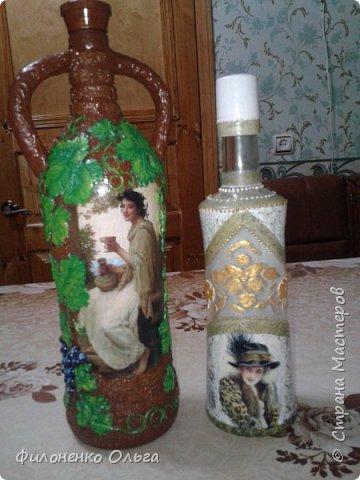 """Ну вот еще """"выношу на суд"""" новые работы...Виноградная - это моя любимая повторюшка, увиденная у Любови Нечаевой http://stranamasterov.ru/node/1048461...Долго не могла подобрать под нее бутылку. А потом осенило и я ее сама смастерила (бутылка из под лимонада, а ушки сделала из подручных материалов, приклеила пистолетом горячим клеем и обернула салфетками, низ был рельефный, я его зашпатлевала). Ну уж очень хорошо задумала Любашка, я вообще-то ее поклонница, уж больно нравятся мне ее работы...Поэтому и себе хочется иметь такую бутылочку.  фото 1"""
