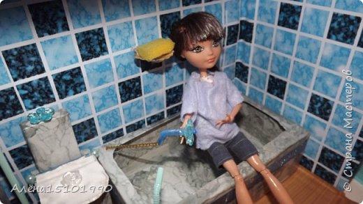 Всем снова привет. Мы с дочкой доделали ванную комнату и решили её показать.Внешней отделкой домика я ещё не занималась,главное было сделать то,что внутри. фото 7