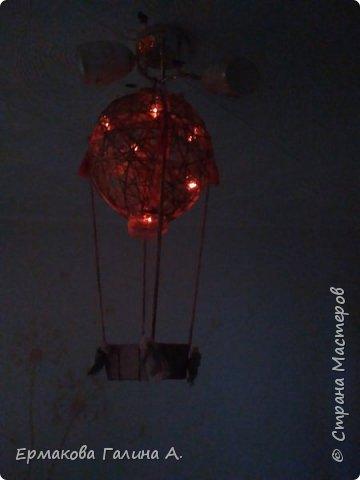 Добрый день ! Представляю Новогоднею работу,ночник-Воздушный шар.Мастерила для сына.Сейчас в корзинке мышонок А на новогодние праздники в корзине был снеговик и петушок.  фото 3