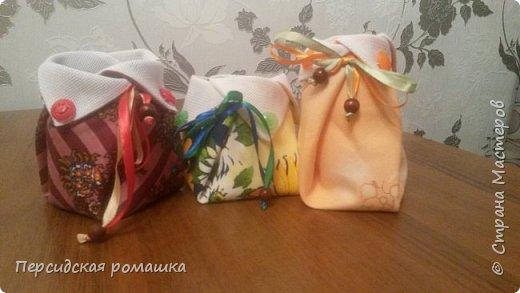 В таких мешочках были небольшие подарки для подружек,внутри небольшая вышивка. фото 1