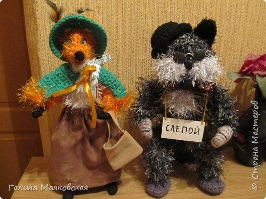 """Привет всем!  Сегодня - парочка  сказочных  героев : лиса Алиса и кот Базилио.   Выполнены на проволочном каркасе, пряжа - акрил и """"травка"""". Рост - 30 см. Стоят самостоятельно. фото 1"""
