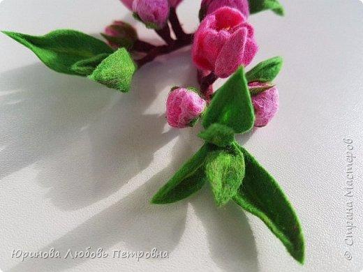 Ветка цветущего миндаля. Нежный весенний аксессуар-брошь. Шерсть. фото 5