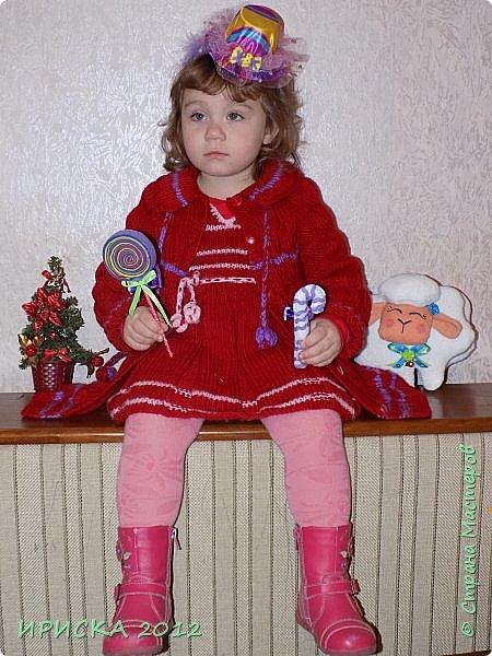 Привет всем гостям моей странички!!! Я к Вам с весенним приветом из солнечной Одессы!!! Хочу показать вам вязанные вещи моей дочурки золотыми ручками её любящих бабушек!!! фото 14