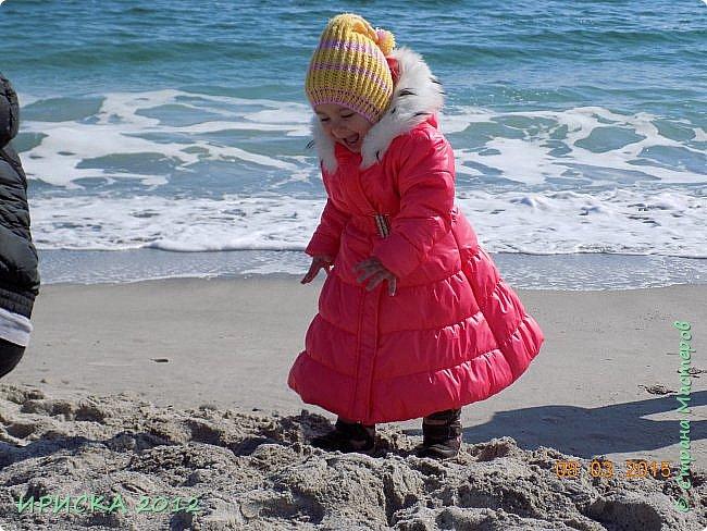 Привет всем гостям моей странички!!! Я к Вам с весенним приветом из солнечной Одессы!!! Хочу показать вам вязанные вещи моей дочурки золотыми ручками её любящих бабушек!!! фото 18