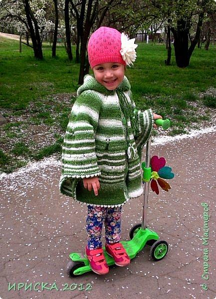 Привет всем гостям моей странички!!! Я к Вам с весенним приветом из солнечной Одессы!!! Хочу показать вам вязанные вещи моей дочурки золотыми ручками её любящих бабушек!!! фото 3