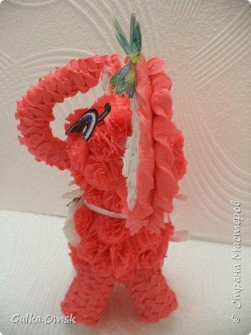 В подарок девочке. Высота 25 см  .Голова и туловище- из пенопластовых шариков, обклеенных  розочками из  гофрогумаги. Глаза сама рисовала фото 5