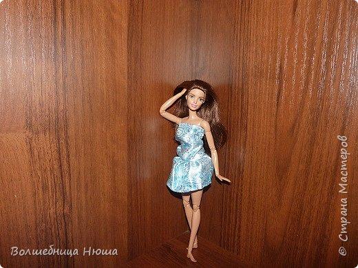 Доброе утро, дорогая Страна! Сегодня я хочу представить вам два образа, что по моему мнению очень схожи с морским бризом. Первая модель - Леся (в прошлом - Эмилия). На ней - голубое платье с разнообразными узорами. фото 1