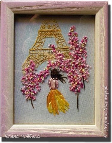 Приветствую всех друзей Страны Мастеров! Вышила на принте маленькое воспоминание о Париже... Посчастливилось мне дважды побывать в этом волшебном городе! Есть что вспомнить!!! Ностальгия по Парижу... Особенно по Эйфелевой башне и Сене... Вышивала с любовью! Размер картинки 150*190 мм, рамка-стекло. фото 2