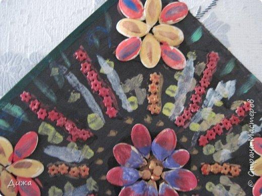 Всем добрый вечер! Хочу показать вам поделку, которую я сделала для мамы в подарок. Использовала семена, макароны в виде цветочка и акриловые краски. фото 7