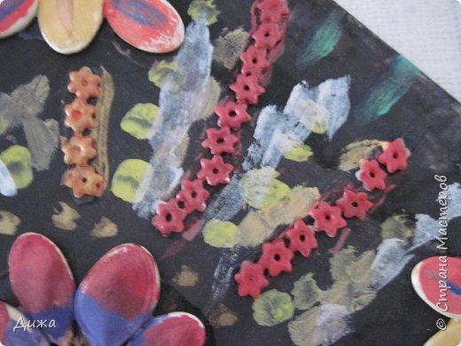 Всем добрый вечер! Хочу показать вам поделку, которую я сделала для мамы в подарок. Использовала семена, макароны в виде цветочка и акриловые краски. фото 8