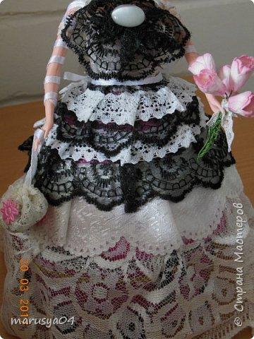 Очередная шкатулочка на бартерный заказ - то бишь в обмен на старые куклы))). Так и хотелось назвать наряд - зимнее утро. Но что-то с рассветом не сложилось))) фото 3