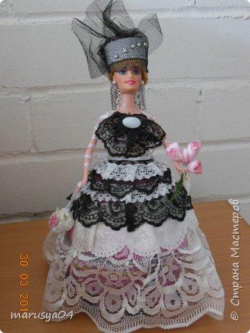 Очередная шкатулочка на бартерный заказ - то бишь в обмен на старые куклы))). Так и хотелось назвать наряд - зимнее утро. Но что-то с рассветом не сложилось))) фото 1