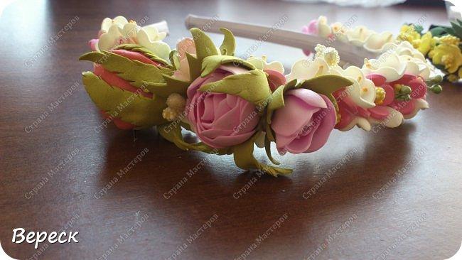 Очередные  работы наших юных мастериц.  Ободок с розами собирала я ,а делал девочка 12 лет.Второй-одуванчики, делала я. фото 3