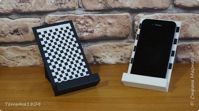Подставки для мобильных телефонов сделаны из пластика ПВХ, обтянуты искусственной кожей в разных вариациях. фото 14