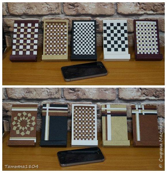 Подставки для мобильных телефонов сделаны из пластика ПВХ, обтянуты искусственной кожей в разных вариациях. фото 12