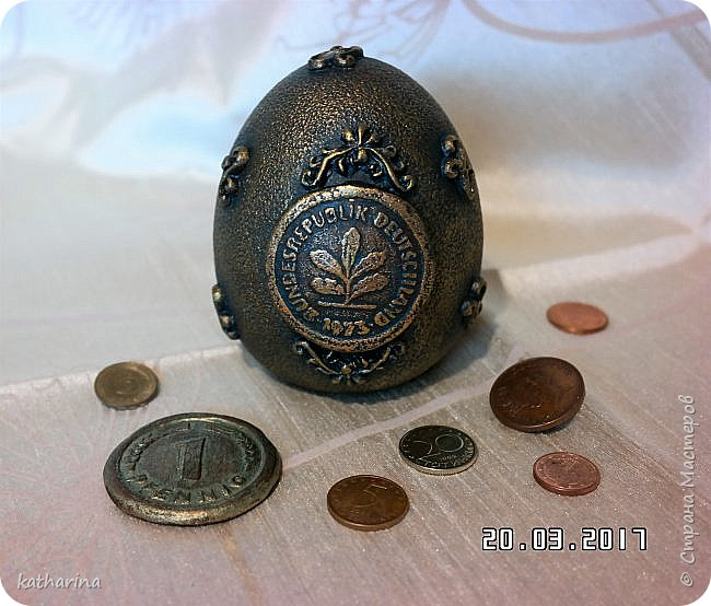 Здравствуй Страна ! Очень хотелось сделать вот такую ностальгическую  монетку . Ведь если вдуматься , то с приходом евро , столько стран потеряло свою индивидуальность , выраженную в монетах , в неповторимых рисунках на них , которые было так интересно разглядывать . фото 4