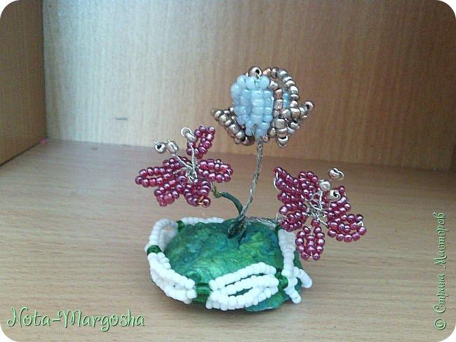 Мини-бисерные цветы фото 1