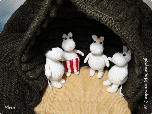 По описанию Clairette. https://samigurumi.wordpress.com/2011/12/04/amigurumi-moomintroll-free-pattern-woo-yeah-free/  фото 3