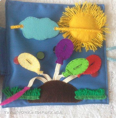 Моя первая развивающая книжка в подарок 2-х летнему племяннику. Обложка: Заяц из фетра. Лапками закрывает глаза (в лапах и глазах вшиты магнитики) фото 25