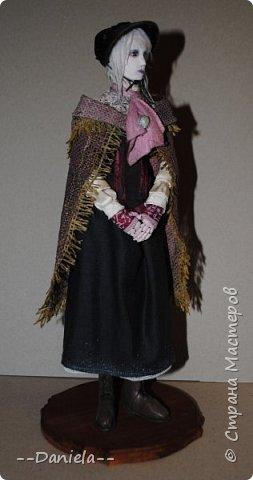 Всем привет:) Доделала вот куколку, которую начала где-то полгода назад, может даже больше. Персонаж игры Bloodborne, наверное, самый милый ее персонаж...  фото 6