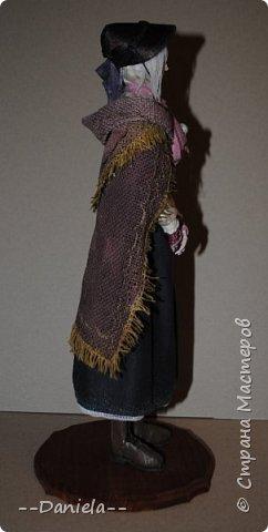 Всем привет:) Доделала вот куколку, которую начала где-то полгода назад, может даже больше. Персонаж игры Bloodborne, наверное, самый милый ее персонаж...  фото 5