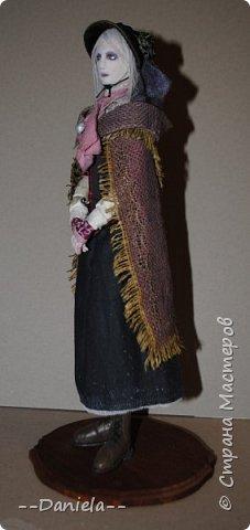 Всем привет:) Доделала вот куколку, которую начала где-то полгода назад, может даже больше. Персонаж игры Bloodborne, наверное, самый милый ее персонаж...  фото 3